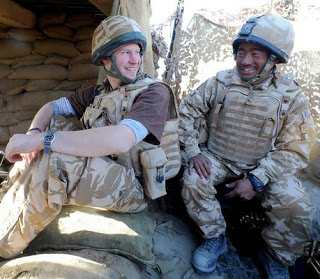 Prince Harry with Gurkhas in Afghanistan_3