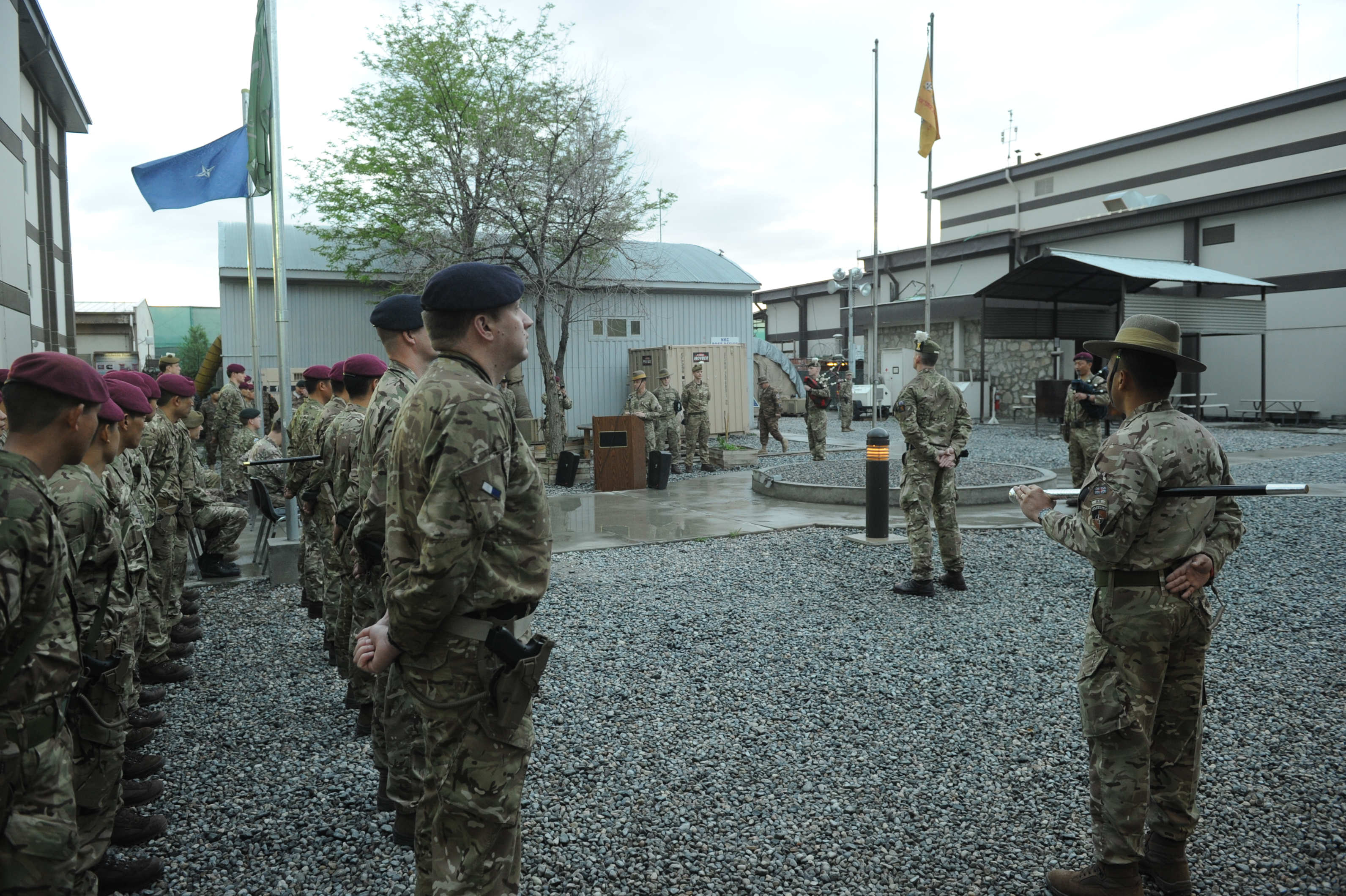 CO_2RGR_addresses_the_troops