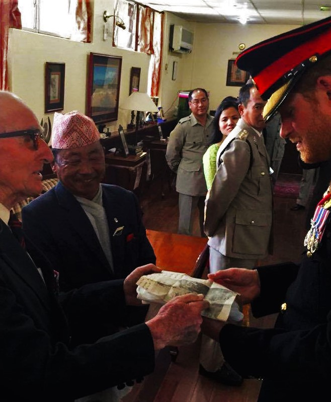 Lt Col (Retd) Cross and HRH Prince Harry (2)