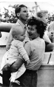 Kemmis Betty with his wife and son before embarking in the Empire Windrush in April 1954