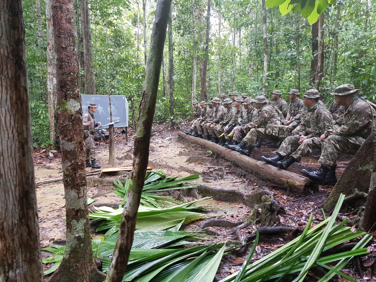 Col GSPS visit to Brunei 004