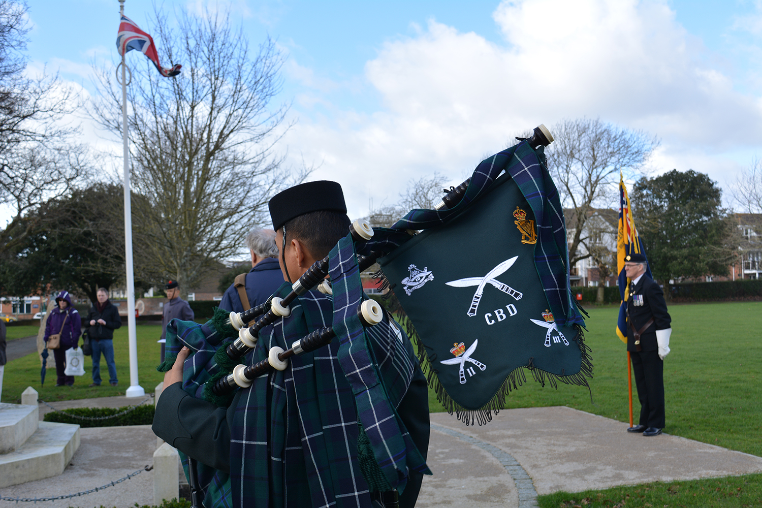 Piper at the Gurkhas at the New Milton memorial to Major George Campbell VC