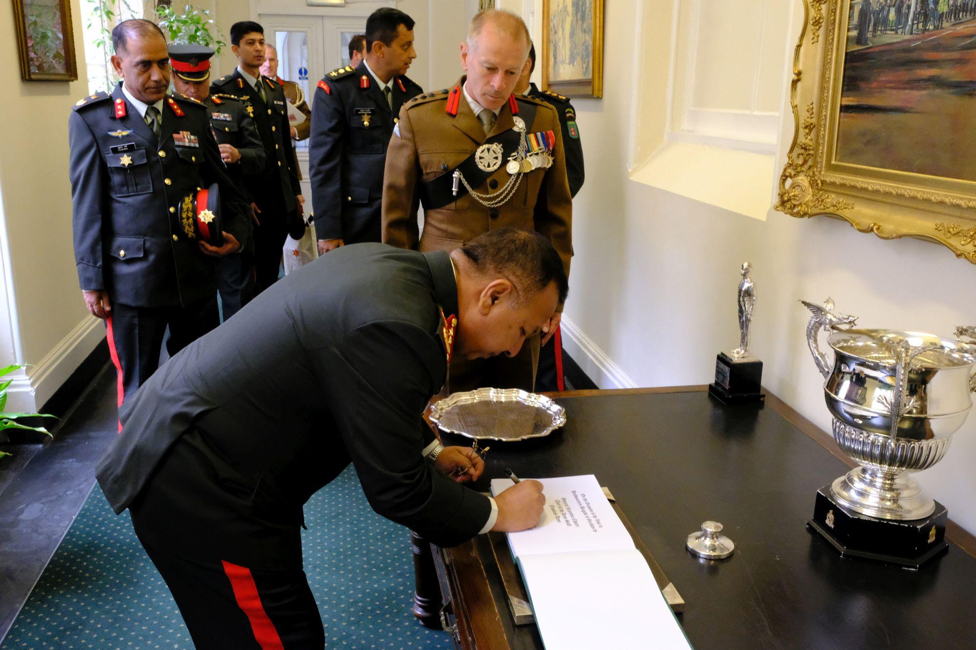 Gen Chhetri COAS Nepal Army visit to HQBG 004