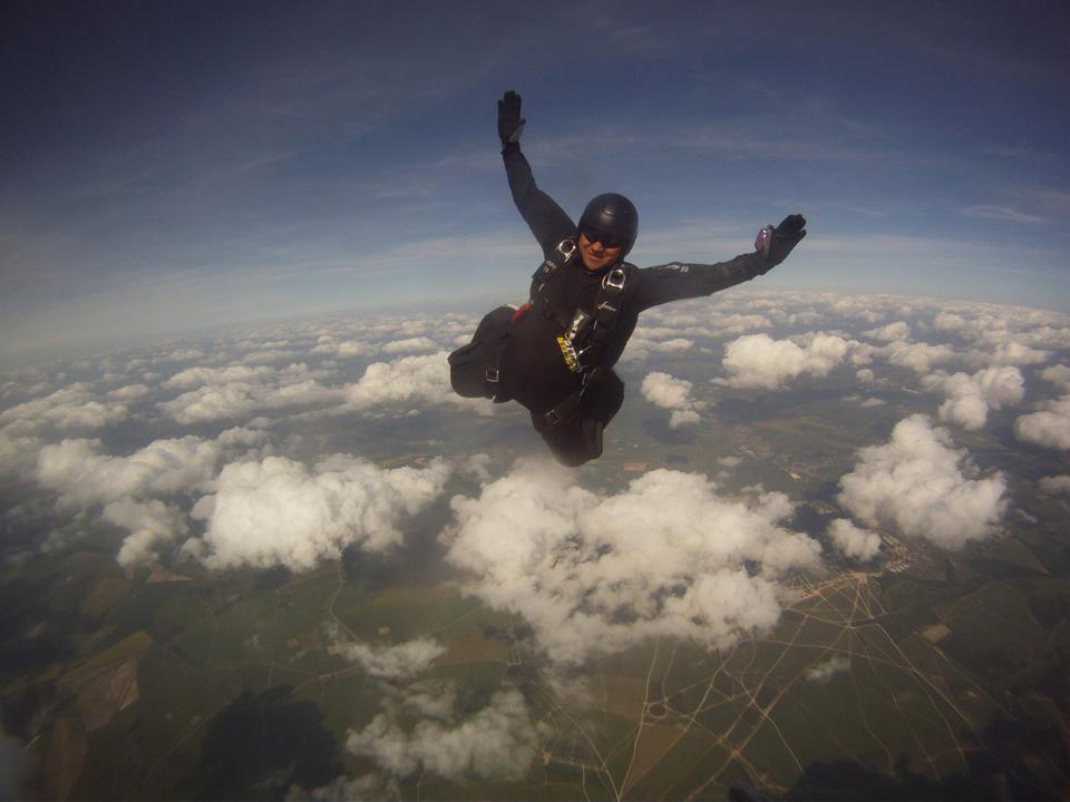 WO2 Chatri Skydiving