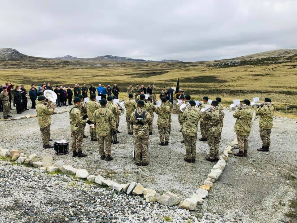 Falklands memorial service takes place – Welcome to the Gurkha