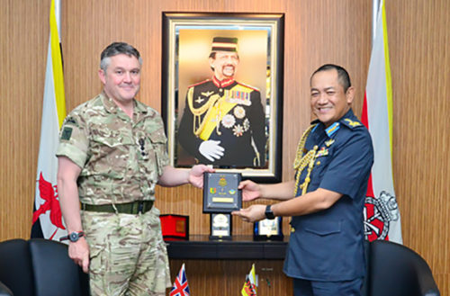Colonel Brigade of Gurkhas with Commander of the Royal Brunei Armed Forces